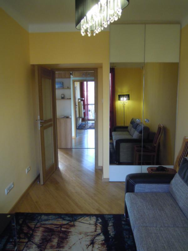 Red bedroom - Friendly Apartment Iwicka Warsaw with 2 bedrooms - Warsaw - rentals