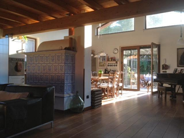 Large open plan kitchen , dinning and living room. - Beautiful villa on Lake Maggiore - Sesto Calende - rentals