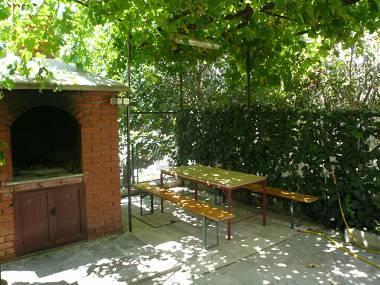 courtyard - 35389  A1 (2+1) - Dugi Rat - Dugi Rat - rentals