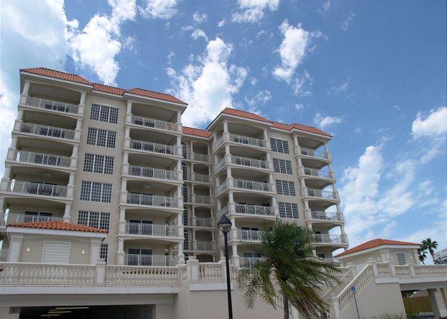 La Vistana 700 -  Fabulous 7th floor corner condo with bay and Gulf Views! - Image 1 - Redington Shores - rentals