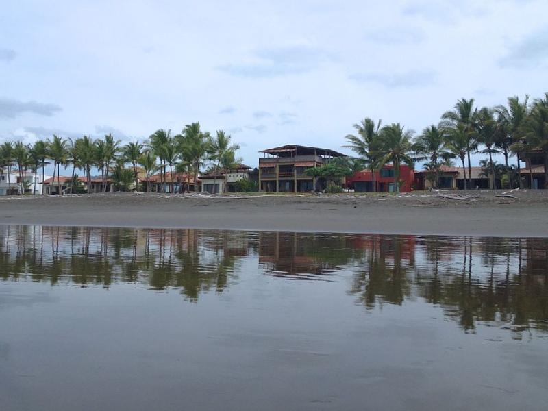 Surfers Paradise - Beach Front Surfer's Paradise in Playa Hermosa - Monteverde - rentals