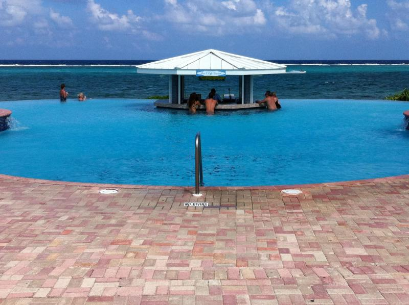 Swim up pool bar. - Arrrrr Matey!!!  Pirates Week in Cayman Islands!!! - East End - rentals