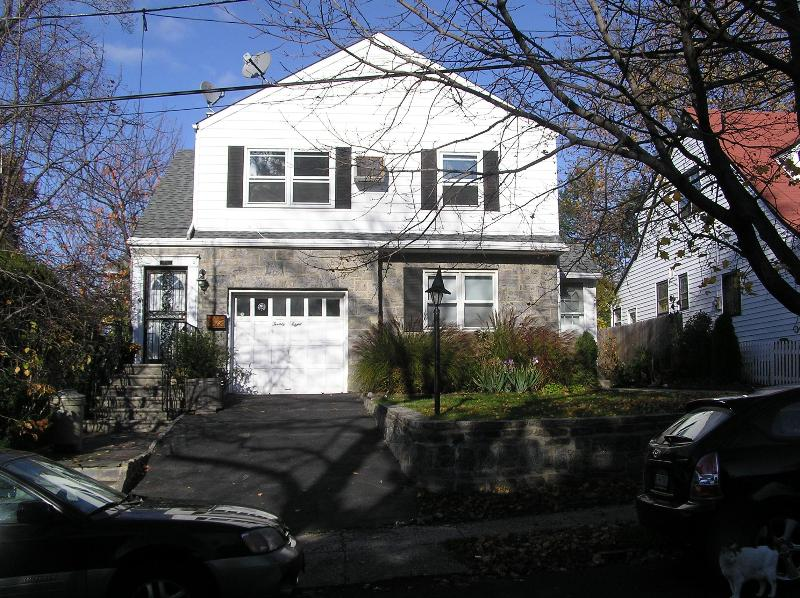 The house - Cosy 2 bedroom apartment with garden - Yonkers - rentals