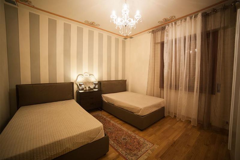 CAMERA 2 LETTI DA 1 E 1/2 - Dimora Il Corso - Verona - rentals