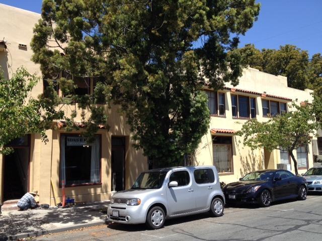 (3) Sunny DownTown Studio 3 people WALK everywhere - Image 1 - Santa Barbara - rentals