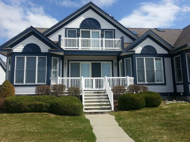 A Harbor Condo wth All the Extras - Image 1 - Manistee - rentals