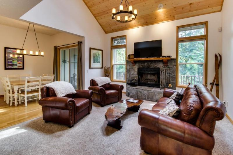 Mt Hood Golf and Ski Retreat - Image 1 - Welches - rentals