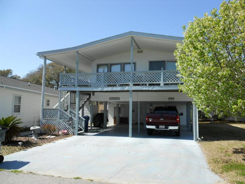 "2137 Lark, Oceanside Village, Surfside Beach, SC - 9 Ocean ""Peeks"" at Surfside. - Surfside Beach - rentals"