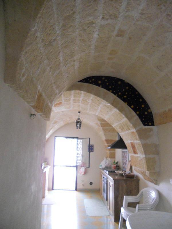 Typical Salento's with tuff arches - Image 1 - San Pancrazio Salentino - rentals