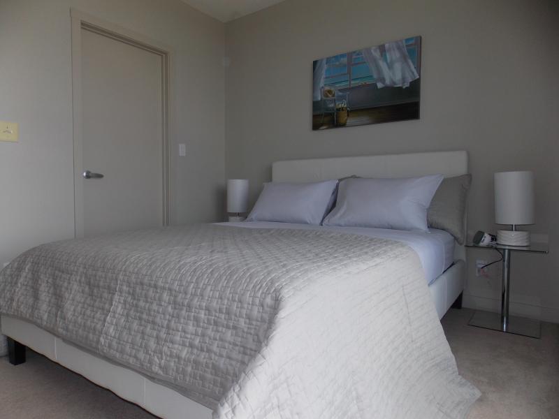 Fastlane Suites Rouleau - Image 1 - Calgary - rentals