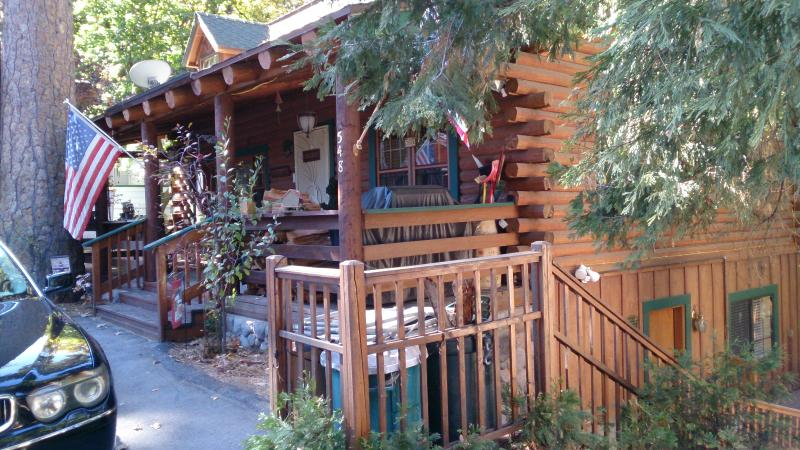 Stunning Lover's Paradise Vacation Rental - Image 1 - Lake Arrowhead - rentals