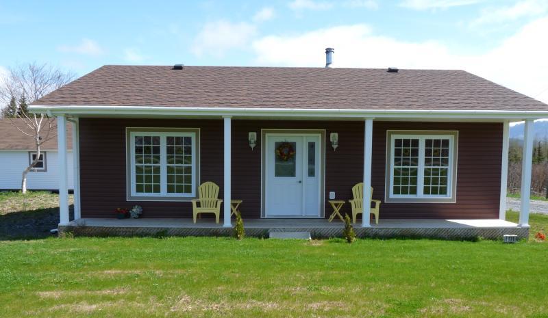 Front of House - Oliver's Landing, Gros Morne, Rocky Harbour, NFLD - Rocky Harbour - rentals