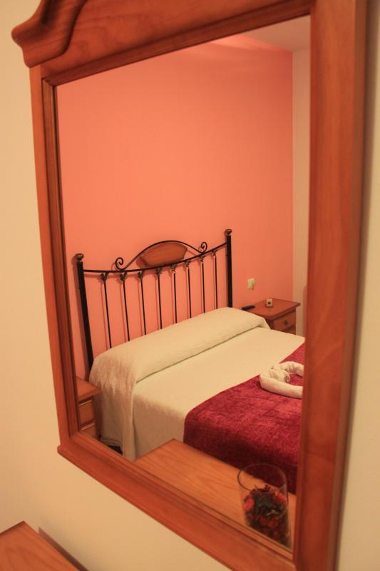 La Casa de Leo Bed&Breakfast - Image 1 - Villafranca del Bierzo - rentals