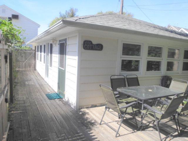 COTTAGE EXTERIOR - CUTE, QUIET, CLEAN, RUSTIC 2 BR BEACH COTTAGE - Bay Head - rentals