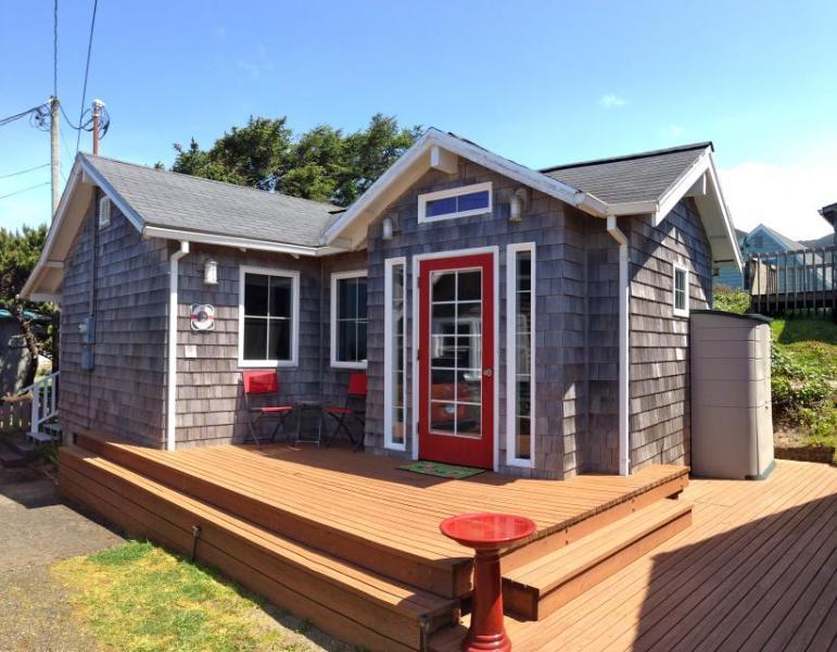 The Strand Oceanview Studio - Image 1 - Rockaway Beach - rentals