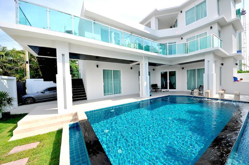Angelheart villa 4 bedroom villa in Pattaya - Image 1 - Pattaya - rentals