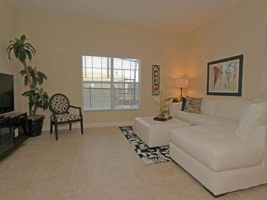 5 Bed 4 Bath Paradise Palms Townhome Sleeps 10 In Style. 8967CAL - Image 1 - Orlando - rentals