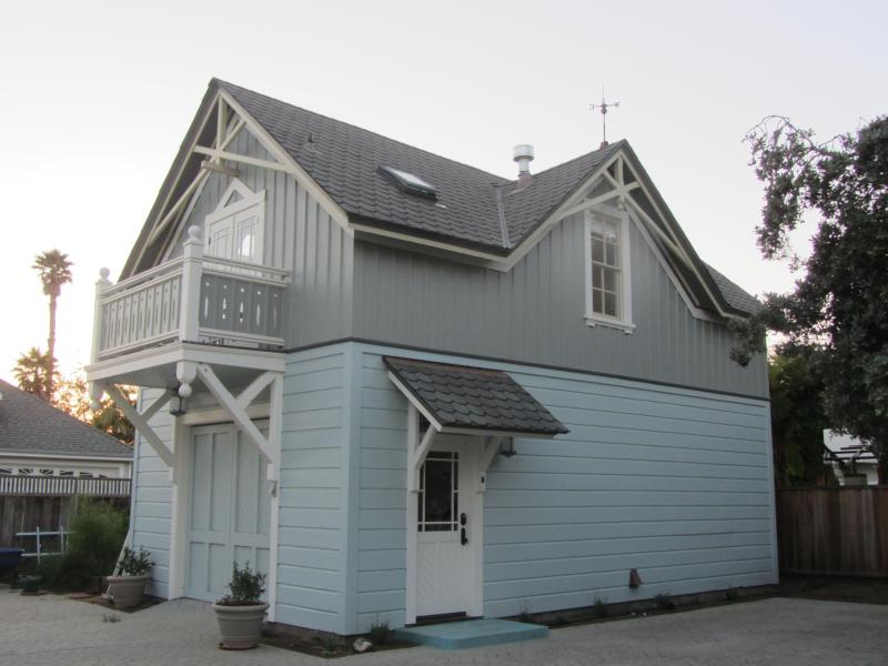 Carriage House exterior - Coastal Victorian Carriage House in Santa Cruz on Scenic West Cliff Drive - Santa Cruz - rentals