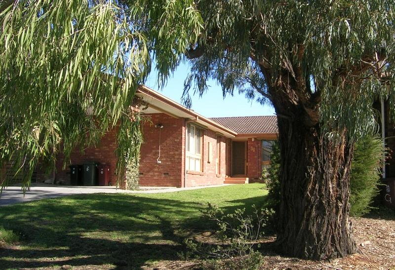 Front - East Doncaster Pine Hill Accommodation - Doncaster East - rentals