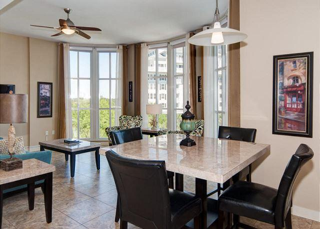 Dining Area with Seating - Bahia 4413 Village of Baytowne Wharf! Free Golf at The Raven! - Miramar Beach - rentals