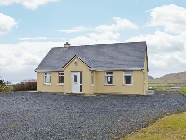 ACHILL VIEW, all ground floor detached cottage, open fire, pet-friendly, near Achill Island, Ref 905564 - Image 1 - Achill Island - rentals