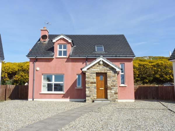 THE HOLIDAY HOUSE, detached, en-suite, open fire, off road parking, patio, in Narin, Ref 912063 - Image 1 - Narin - rentals