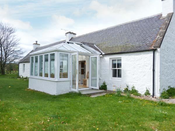 COULNAKYLE COTTAGE, open fire, pet-friendly, child-friendly, WiFi, detached cottage near Nethy Bridge, Ref. 912454 - Image 1 - Nethy Bridge - rentals