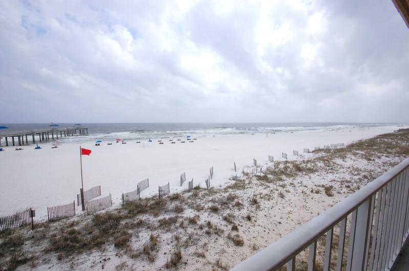 Just Beachy (Emerald Skye #14) - Just Beachy (Emerald Skye #14) - Orange Beach - rentals