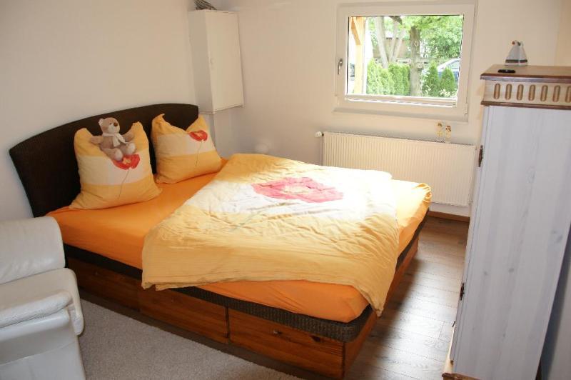 Vacation Home in Berlin-Biesdorf - 807 sqft, quiet, bright, comfortable (# 5159) #5159 - Vacation Home in Berlin-Biesdorf - 807 sqft, quiet, bright, comfortable (# 5159) - Hallerndorf - rentals