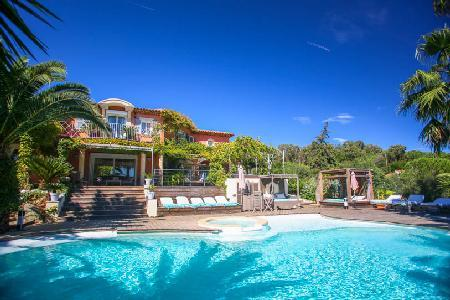 Dolce Vita offers sea views, heated infinity pool with Jacuzzi, playground & close to beach - Image 1 - Ramatuelle - rentals