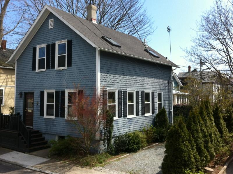 My cottage! - Charming Cottage in Historic Newport - Newport - rentals