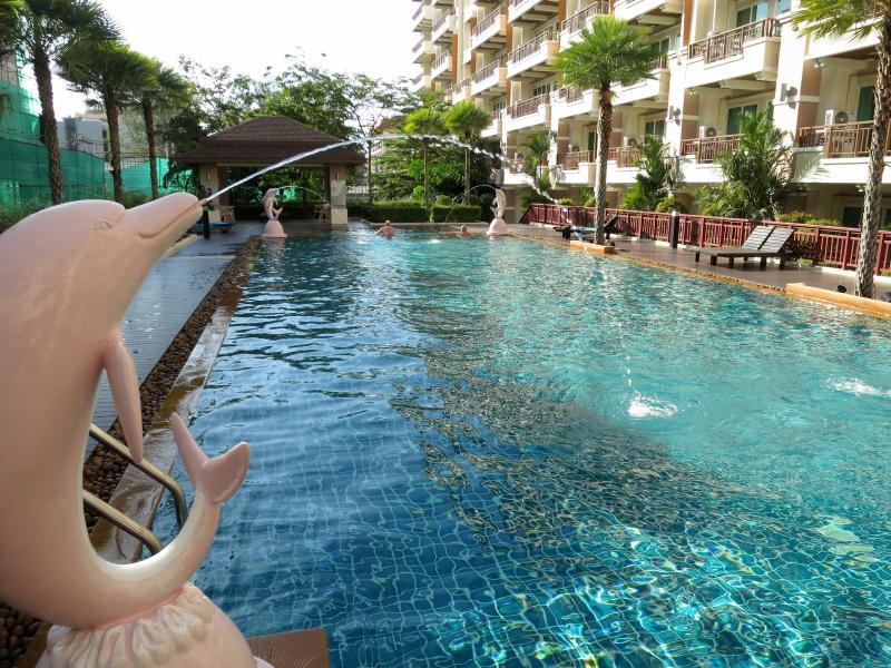 Common Pool 20 meters - Apartment close to beach and mall in Patong center - Patong - rentals