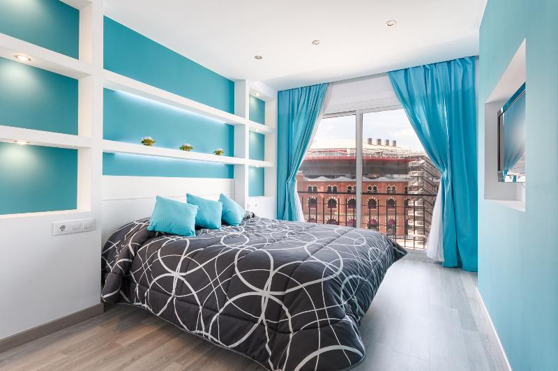 Blue bedroom - Arenas View Luxuary  four bedrooms Plaza de España - Barcelona - rentals