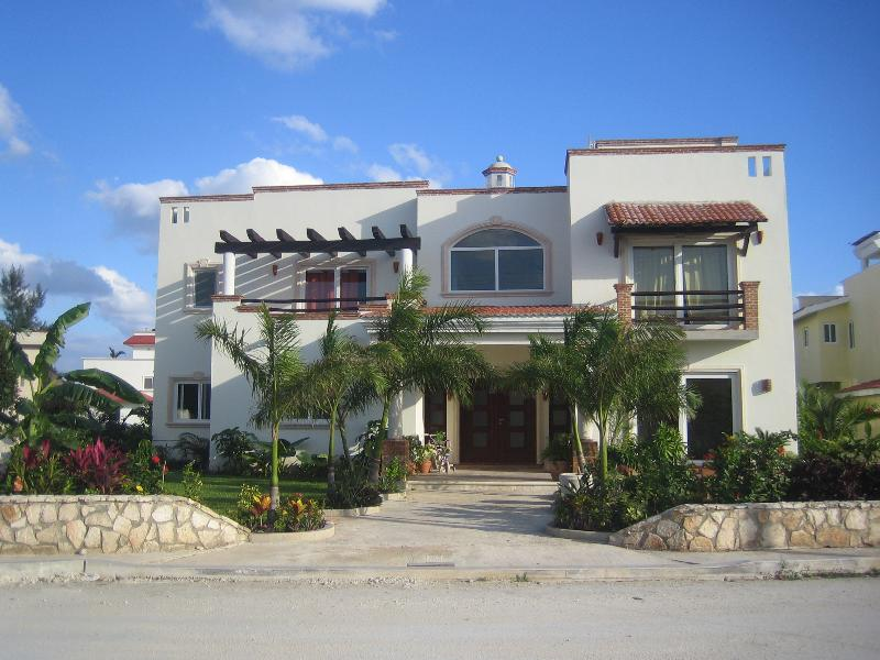 House front - Luxury Ocean View Villa Andalucia 6000sq.ft.in Playa Paraiso - Playa del Carmen - rentals