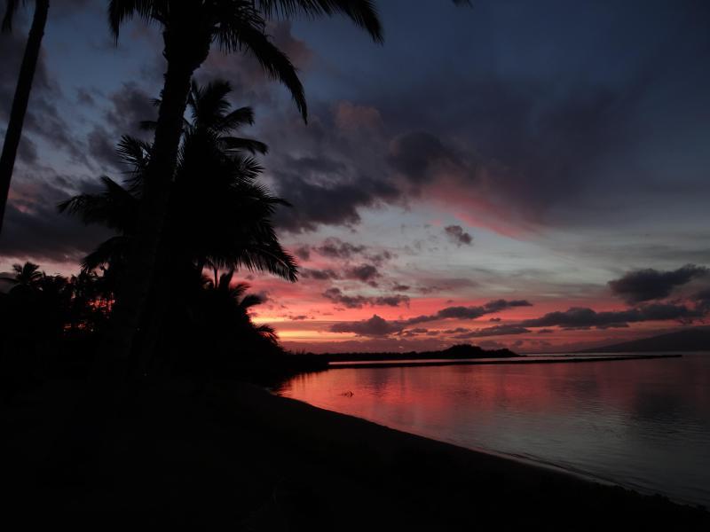 Molokai Shores sunrise - Molokai at its finest - Kaunakakai - rentals