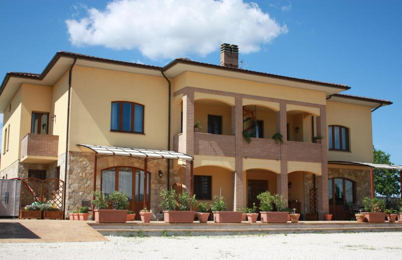 "La Serena ""Home from Home"" - Villa holiday rental in Italy - Villa La Serena - Perugia - rentals"