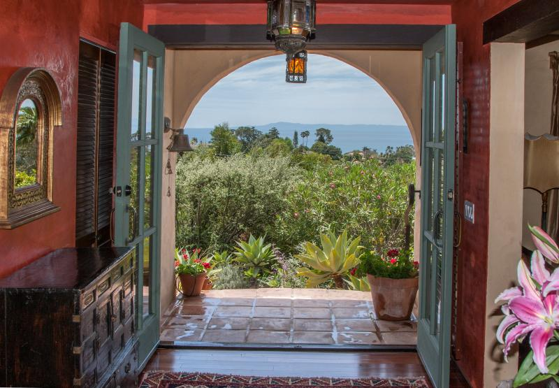 Coming or going, this it what it's all about. Ocean, Islands, rolling hills - Our Lovely Hillside Oasis - Santa Barbara - rentals