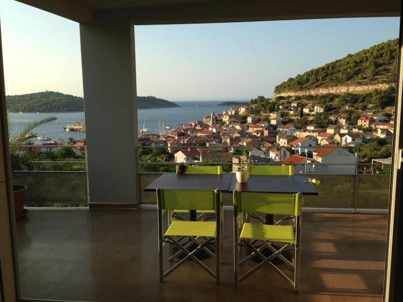 Sea view villa with pool for rent, Vis, Vis island - Seaview villa with pool for rent, Vis, Vis island - Vis - rentals