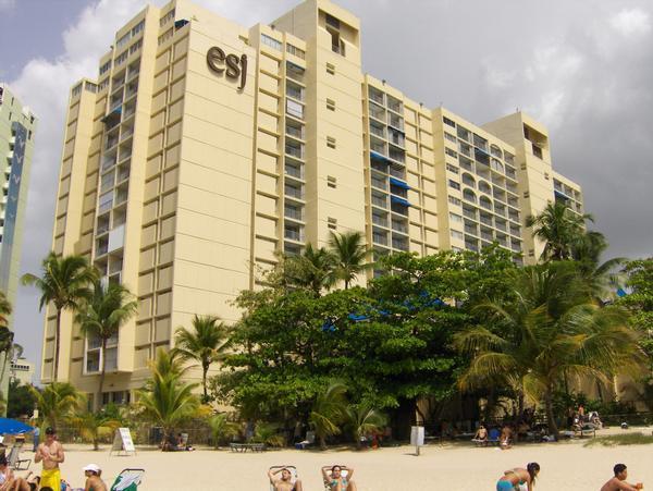 ESJ Towers Hotel Amenities 3 BR Condo- GotoPr. net - Image 1 - Isla Verde - rentals