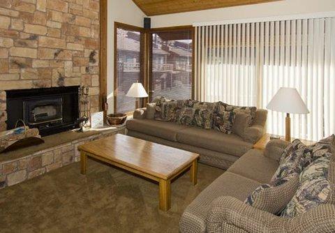Canyon Ski & Racquet #1 ~ RA44603 - Image 1 - Mammoth Lakes - rentals