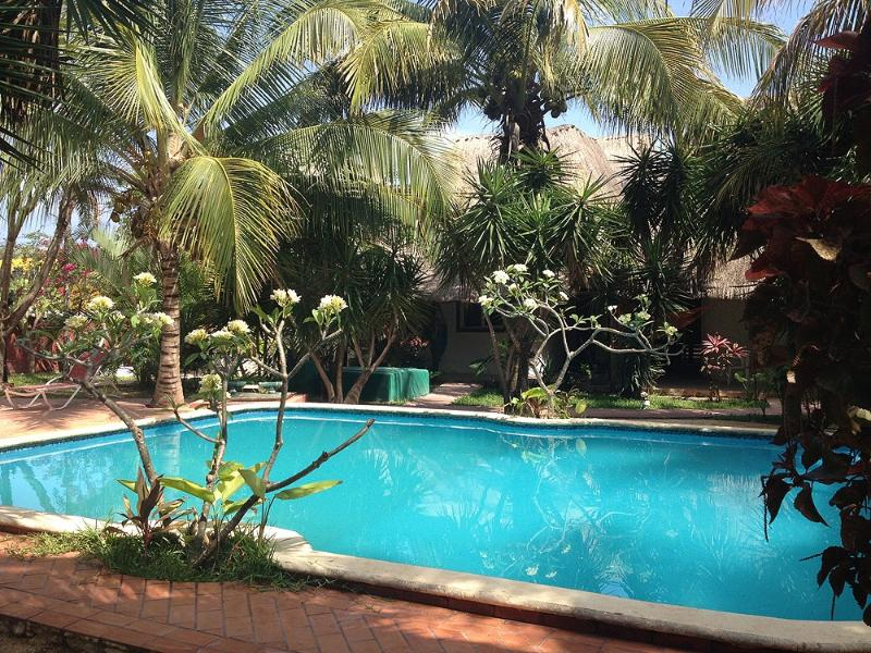 The house lies in a beautiful tropical garden in a very family friendly 12-house community. - Large magic house by downtown Tulum - Tulum - rentals