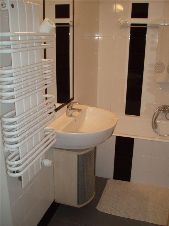 Bathroom - Nice Studio In The Centre Of Warsaw Perfect Connections With The Entire City - Warsaw - rentals