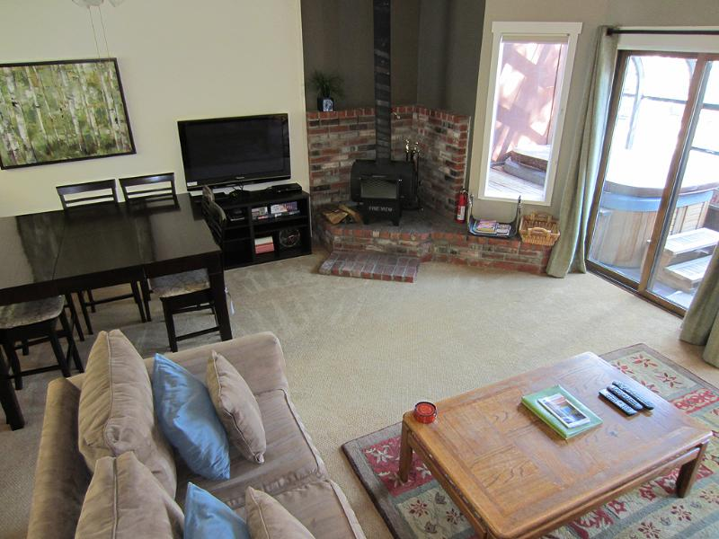 Living room.  New carpet 2014. - Forest Creek Bright Townhouse Dogs OK Private Spa - Mammoth Lakes - rentals