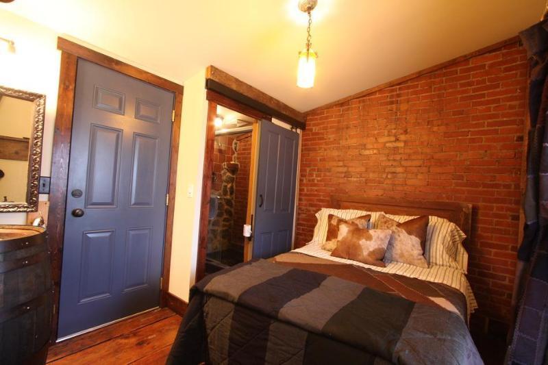 Elk Creek Room w. Double Bed - Triple Creek Lodge- ELK CREEK ROOM - Millheim - rentals