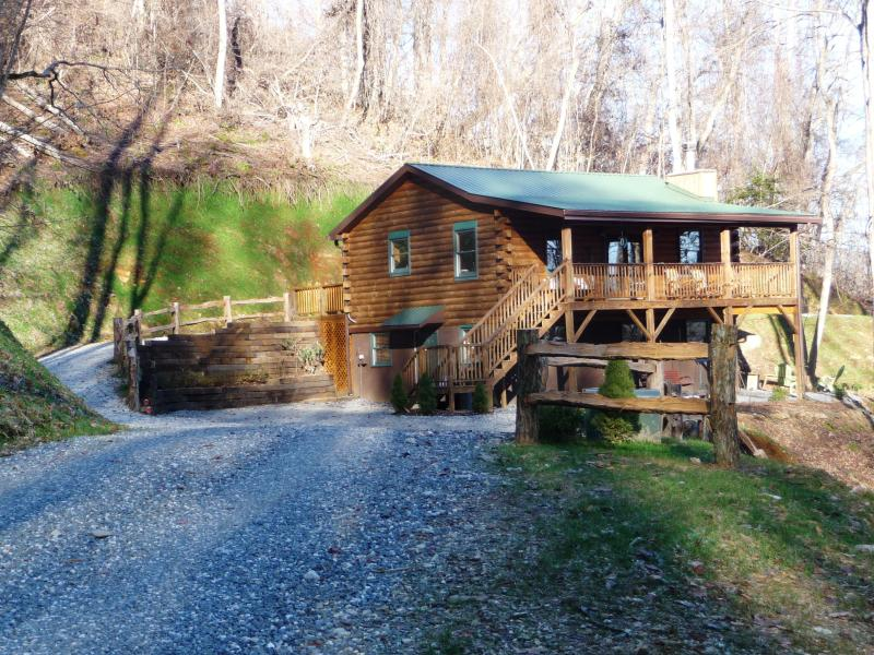 Miracle Mountain Cabin on 63 Private Acres in the Great Smoky Mountians - MIRACLE MOUNTAIN CABIN Secluded on 63Private Acres - Bryson City - rentals