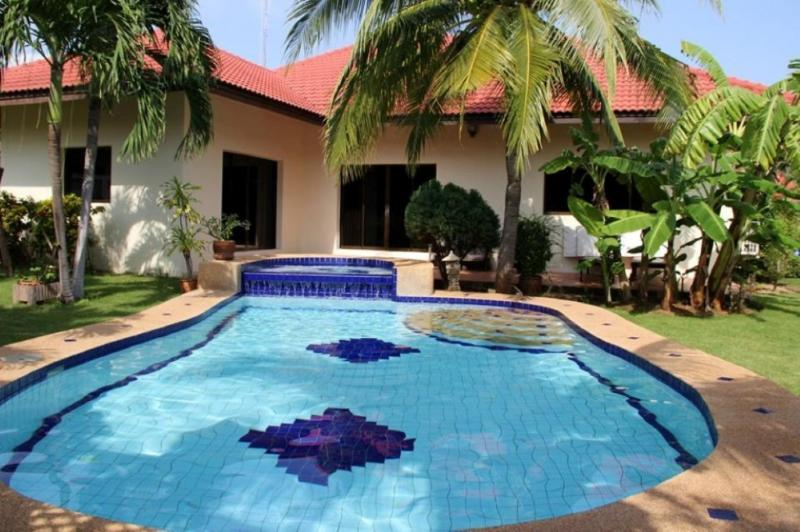 Villas for rent in Hua Hin: V6091 - Image 1 - Hua Hin - rentals