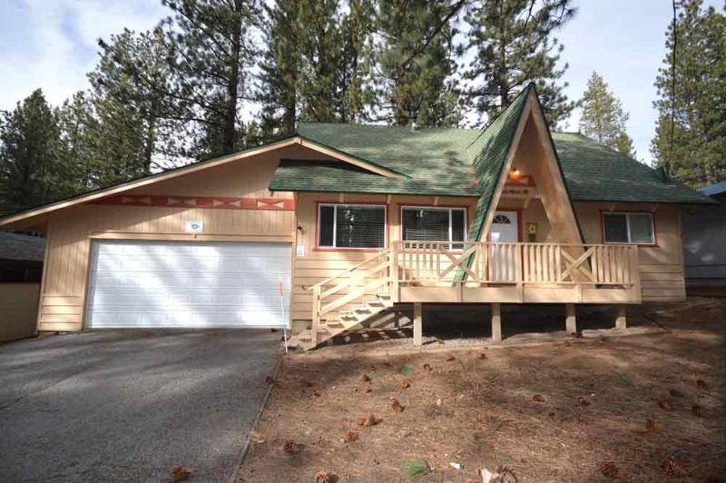 Exterior - 1519 Walkup - South Lake Tahoe - rentals