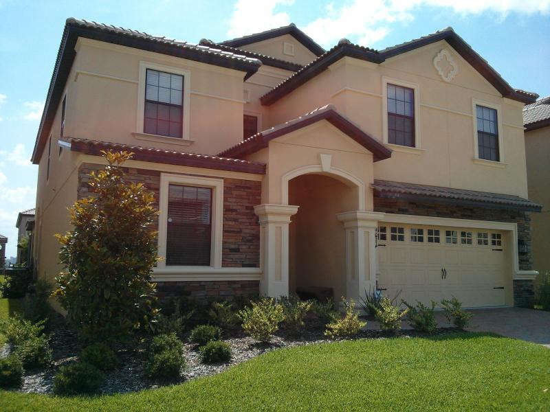Front of 8 Bedroom Villa with Movie Theater - Luxurious 8 Bedroom Pool Villa with Movie Theater - Orlando - rentals