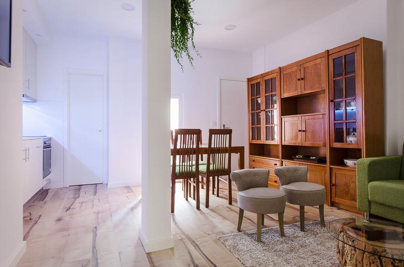 Living room - Elegance, comfort and design - a gem in Chiado, best quarter in town - Lisbon - rentals