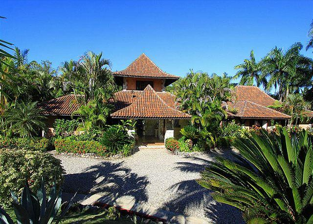 Villa front view - Mexican style villa with a real flavor of the caribbean - Sosua - rentals